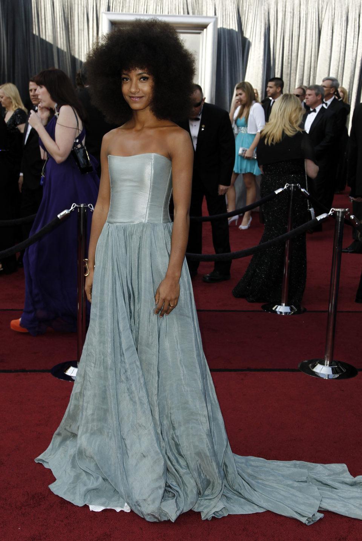 Esperanza Spalding en la alfombra roja de los Oscar 2012