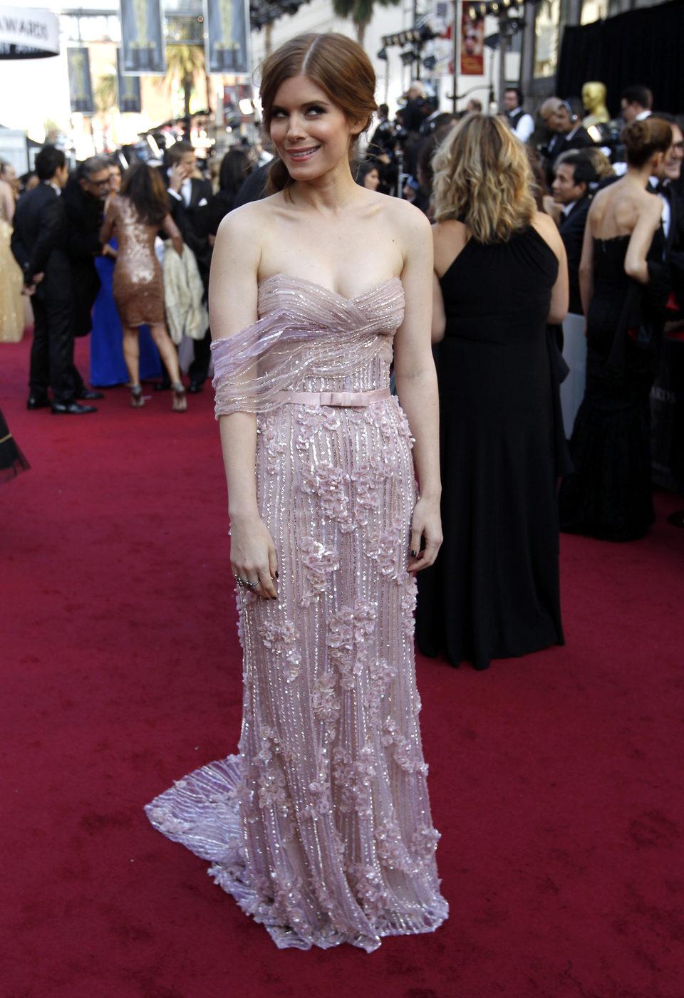 Kate Mara en la alfombra roja de los Oscar 2012
