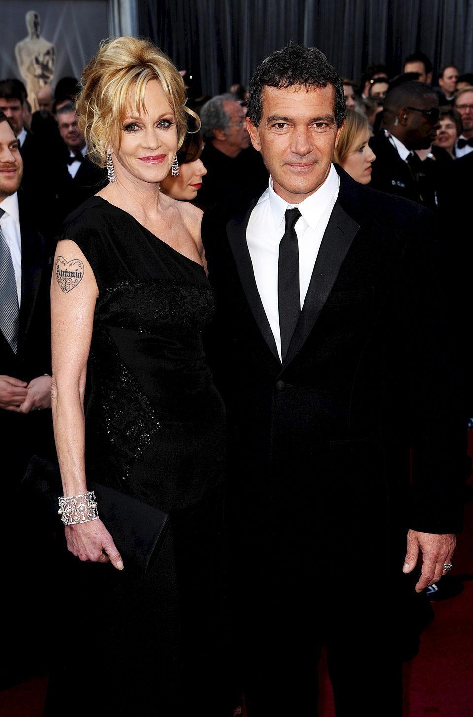 Melanie Griffith y Antonio Banderas en la alfombra roja de los Oscar 2012