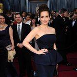 Tina Fey en la alfombra roja de los Oscar 2012