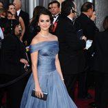 Penélope Cruz en la alfombra roja de los Oscar 2012