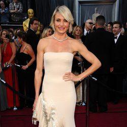 Cameron Diaz en la alfombra roja de los Oscar 2012