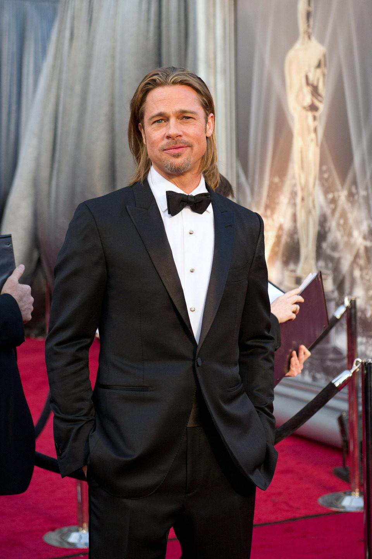 Brad Pitt en la alfombra roja de los Oscar 2012