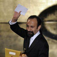 Asghar Farhadi con su Oscar 2012