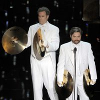 Will Ferrell y Zach Galifianakis presentaron los Oscar 2012 musicales