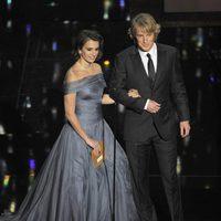 Penélope Cruz y Owen Wilson presentan un Oscar 2012
