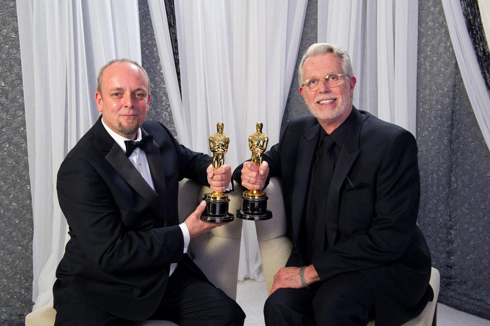 Mark Coulier y J. Roy Helland, ganadores del Oscar al mejor maquillaje por 'The Iron Lady'