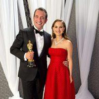 Jean Dujardin, Oscar 2012 al mejor actor, con Natalie Portman