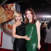 Mena Suvari muestra el embarazo de Alyson Hannigan en la premiére de 'American Pie: El reencuentro'