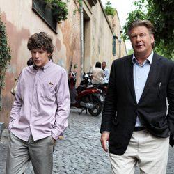 Jesse Eisenberg y Alec Baldwin en 'To Rome with Love'