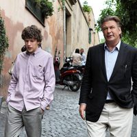 Jesse Eisenberg y Alec Baldwin en 'To Rome with Love'