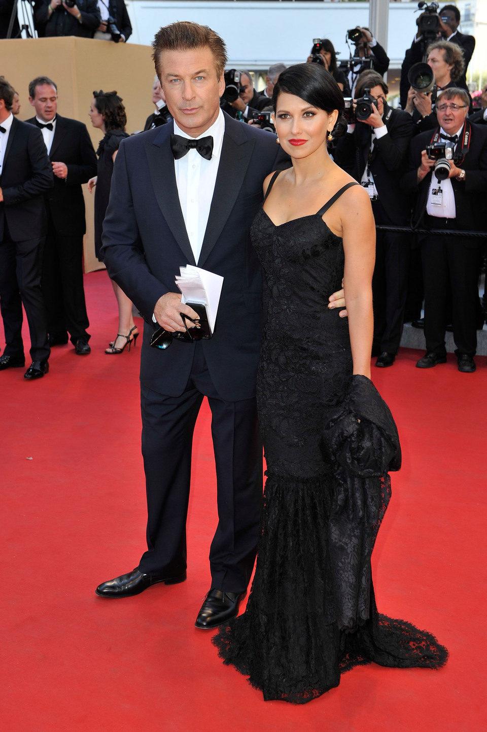 Alec Baldwin e Hilaria Thomas en la inauguración del Festival de Cannes 2012
