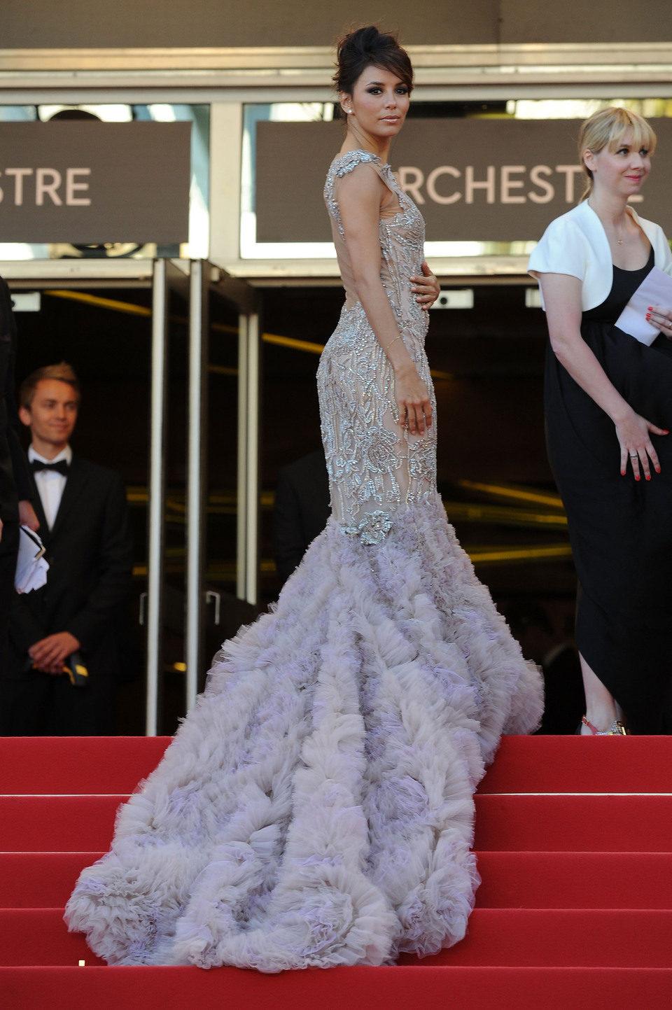 Eva Longoria muestra su vestido en el Festival de Cannes 2012