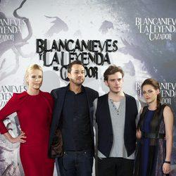 Rupert Sanders y los protagonistas de 'Blancanieves y la leyenda del cazador' en la presentación de la película en Madrid