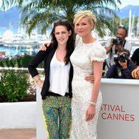Kristen Stewart y Kirsten Dunst en el Festival de Cannes 2012