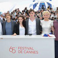 Garrett Hedlund, Walter Salles, Kristen Stewart, Sam Riley, Kirsten Dunst y Viggo Mortensen en el Festival de Cannes 2012