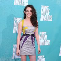Kristen Stewart en la alfombra roja de los MTV Movie Awards 2012