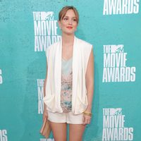 Leighton Meester en la alfombra roja de los MTV Movie Awards 2012