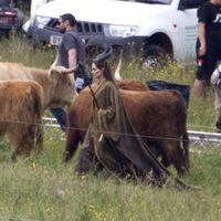 Angelina Jolie junto a animales en el rodaje de 'Maleficent'