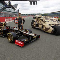 Lotus F1 Team con 'El Caballaro Oscuro: La leyenda renace'