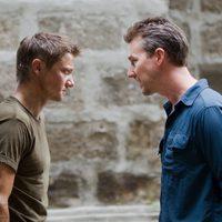 Jeremy Renner y Edward Norton en 'El legado de Bourne'