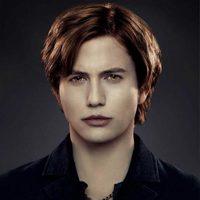 Jackson Rathbone es Jasper en 'Amanecer: Parte 2'
