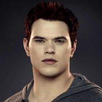 Kellan Lutz es Emmett en 'Amanecer: Parte 2'