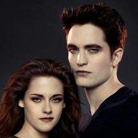 Kristen Stewart y Robert Pattinson en 'Amanecer: Parte 2'
