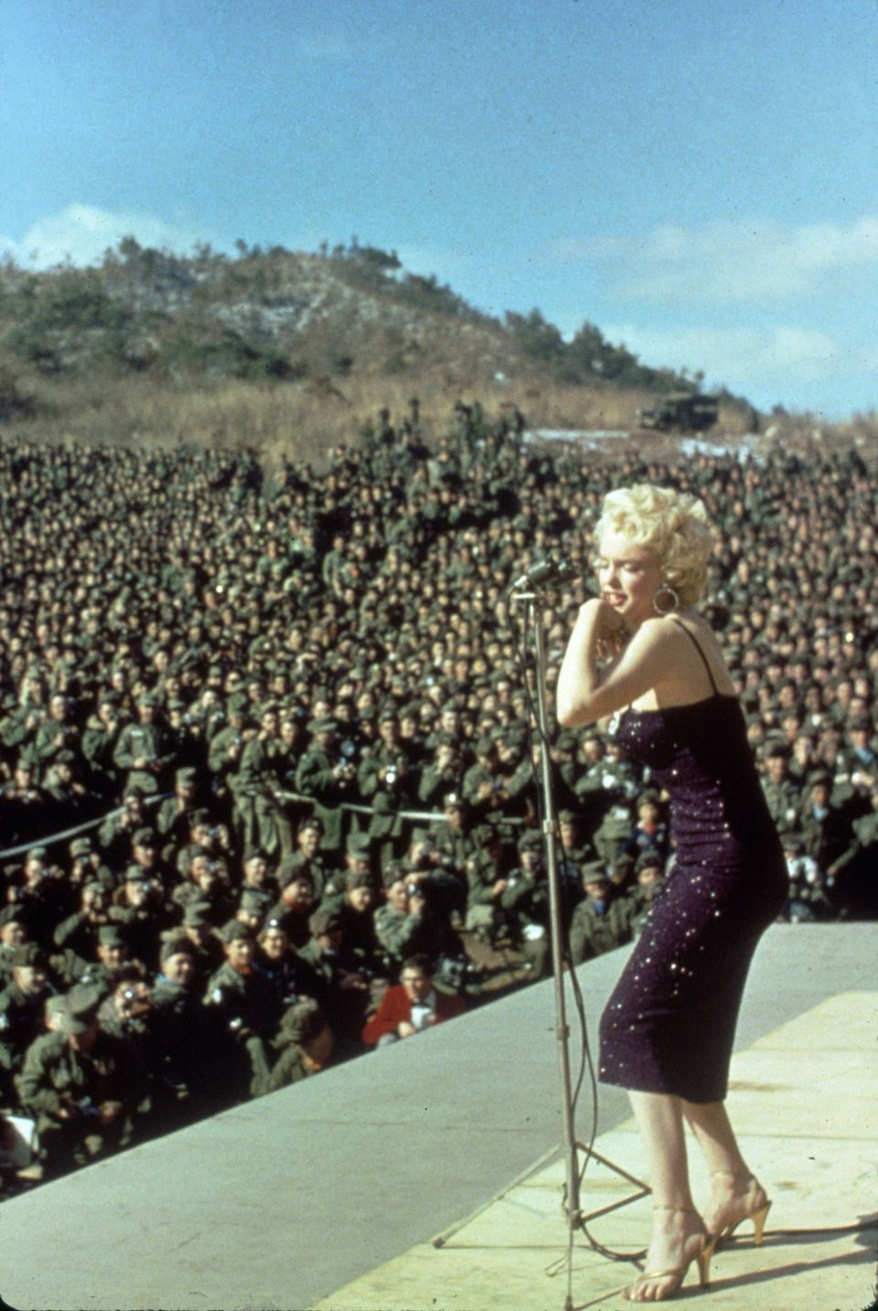 Marilyn Monroe canta para las tropas en Corea