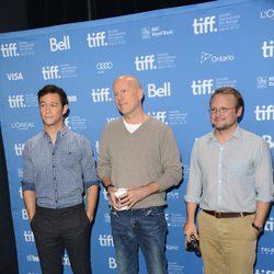 Joseph Gordon-Levitt, Bruce Willis y Rian Johnson en el TIFF 2012