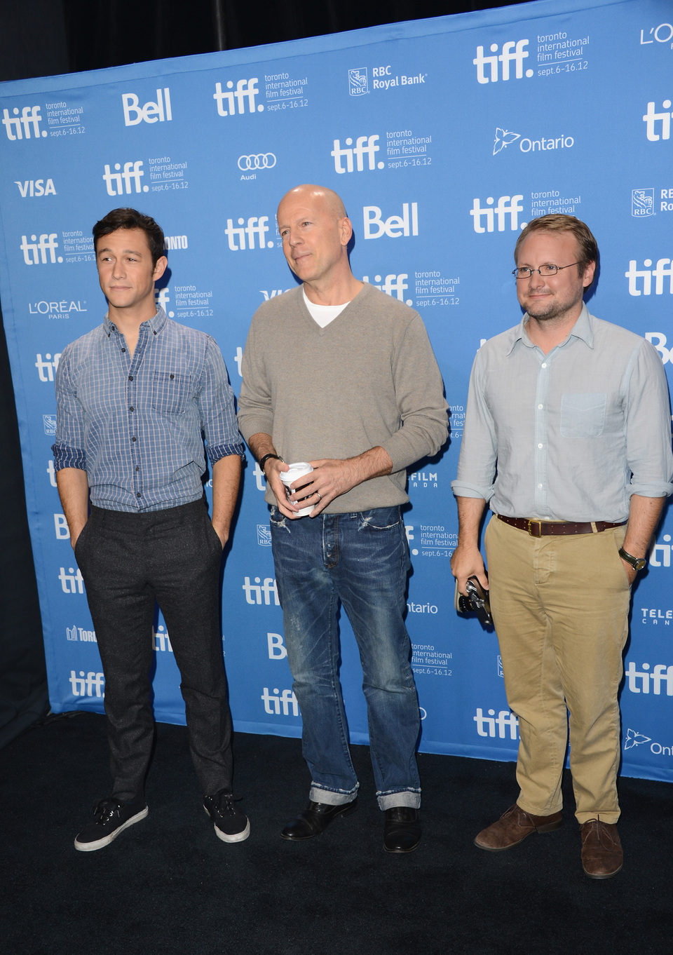 Joseph Gordon-Levitt, Bruce Willis y Rian Johnson en el TIFF 2012