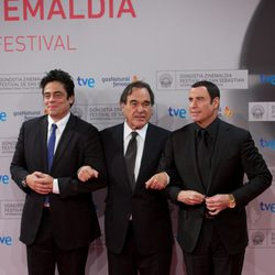 Benicio del Toro, Oliver Stone y John Travolta en el Festival de San Sebastián 2012