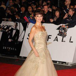 Helen McCrory en la premiere mundial de 'Skyfall' en Londres