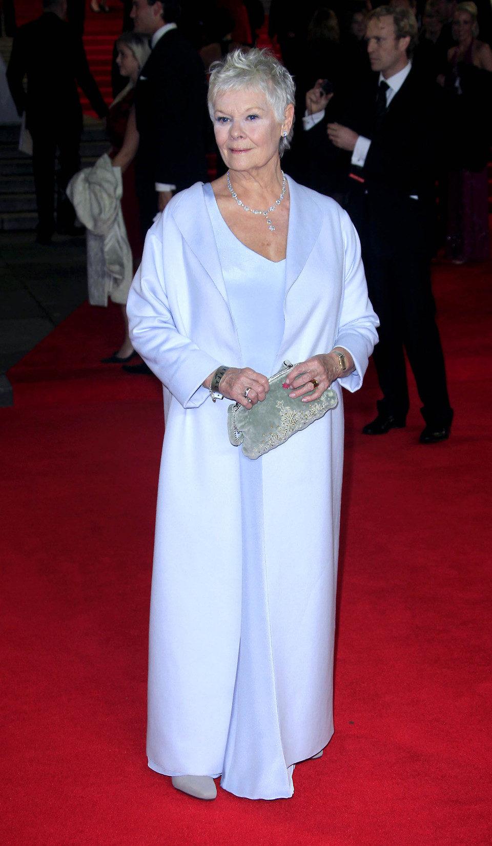 Judi Dench en la premiere mundial de 'Skyfall' en Londres
