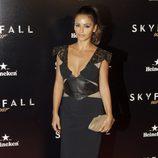 Mónica Cruz en la premiere de 'Skyfall' en Madrid