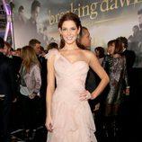 Ashley Greene en el estreno de 'Amanecer. Parte 2' en Los Ángeles