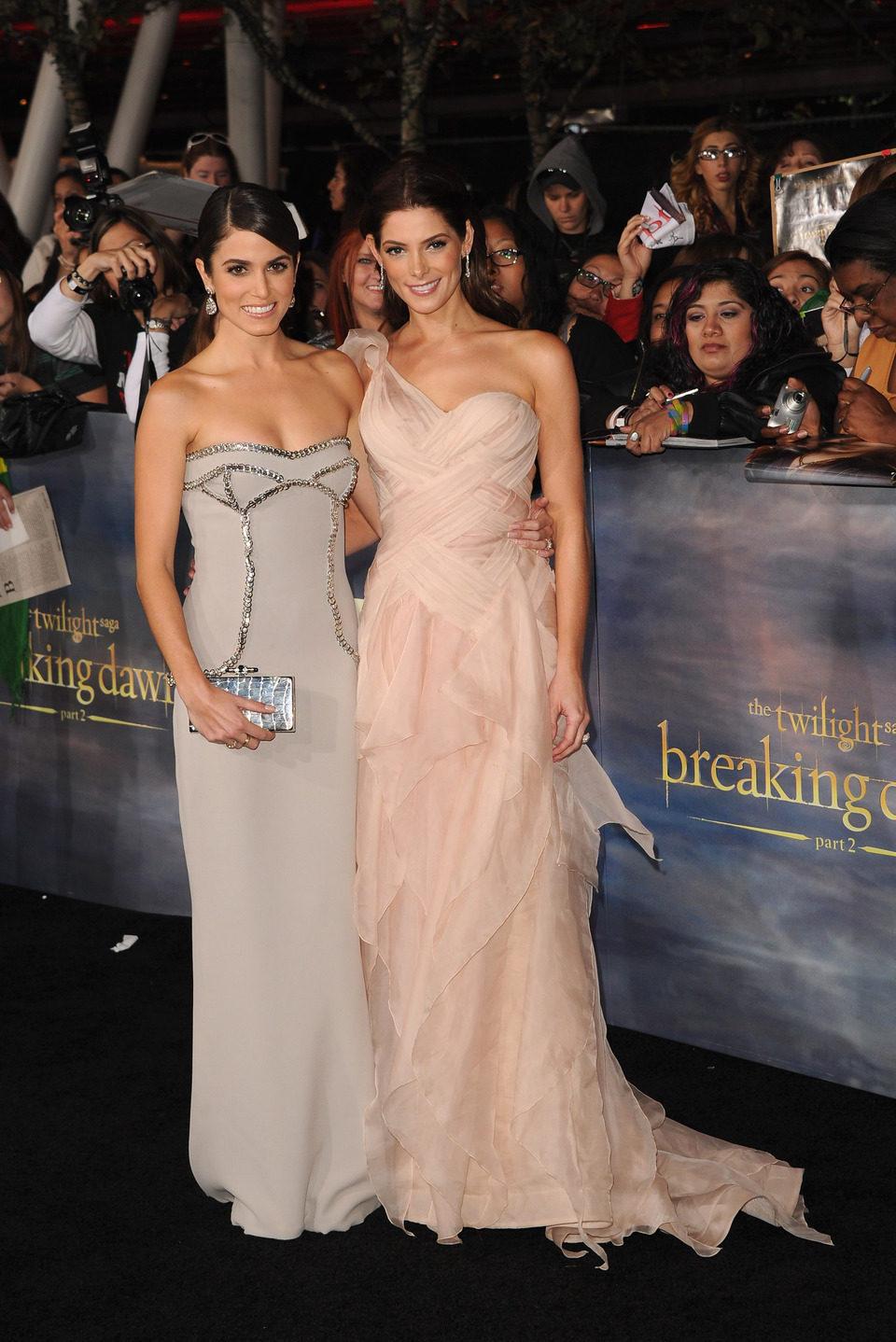 Nikki Reed y Ashley Greene en el estreno de 'Amanecer. Parte 2' en Los Ángeles