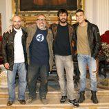 Álex de la Iglesia junto a Hugo Silva y Mario Casas en el rodaje de 'Las brujas de Zugarramurdi'
