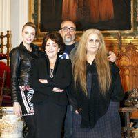 Carolina Bang, Álex de la Iglesia, Carmen Maura y Terele Pávez en el rodaje de 'Las brujas de Zugarramurdi'