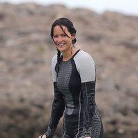 Jennifer Lawrence sonríe en el rodaje de 'Los Juegos del Hambre: En llamas'