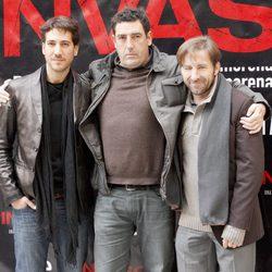 Daniel Calparsoro, Antonio de la Torre y Alberto Ammann en la presentación de 'Invasor' en Madrid