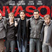 Daniel Calparsoro, Antonio de la Torre, Bernabé Fernández, Alberto Ammann y Karra Elejalde en la presentación de 'Invasor' en Madrid