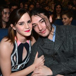 Emma Watson y Ezra Miller en la gala d los People's Choice Awards 2013