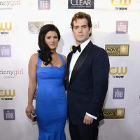 Gina Carano y Henry Cavill en la gala de los Critics' Choice Movie Awards 2013