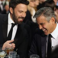 Ben Afflleck y George Clooney en la gala de los Critics' Choice Movie Awards 2013