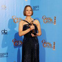 Jodie Foster con el galardón honorífico Cecil B. de Mille en los Globos de Oro 2013