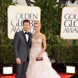 Julianne Hough y Ryan Seacrest en los Globos de Oro 2013