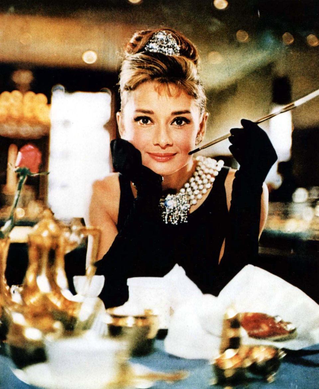 Audrey Hepburn en una imagen promocional de 'Desayuno con diamantes'