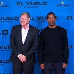 Robert Zemeckis y Denzel Washington en la presentación de 'El vuelo' en Madrid