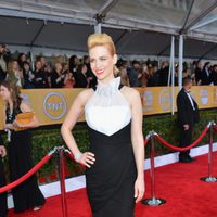 January Jones en la alfombra roja de los Screen Actors Guild Awards 2013